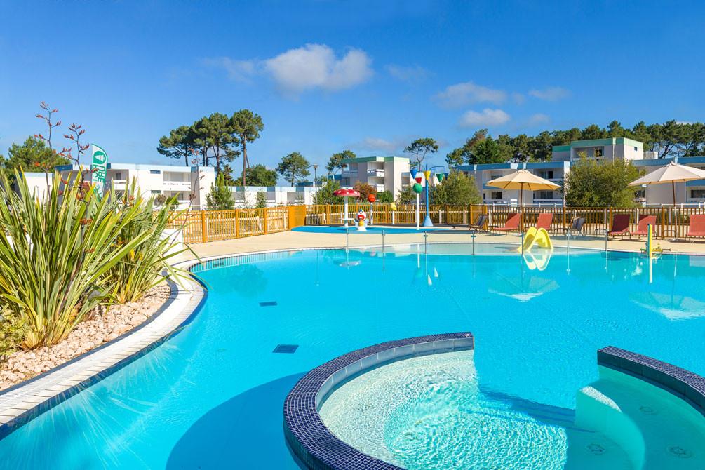 village vacances piscine lacanau