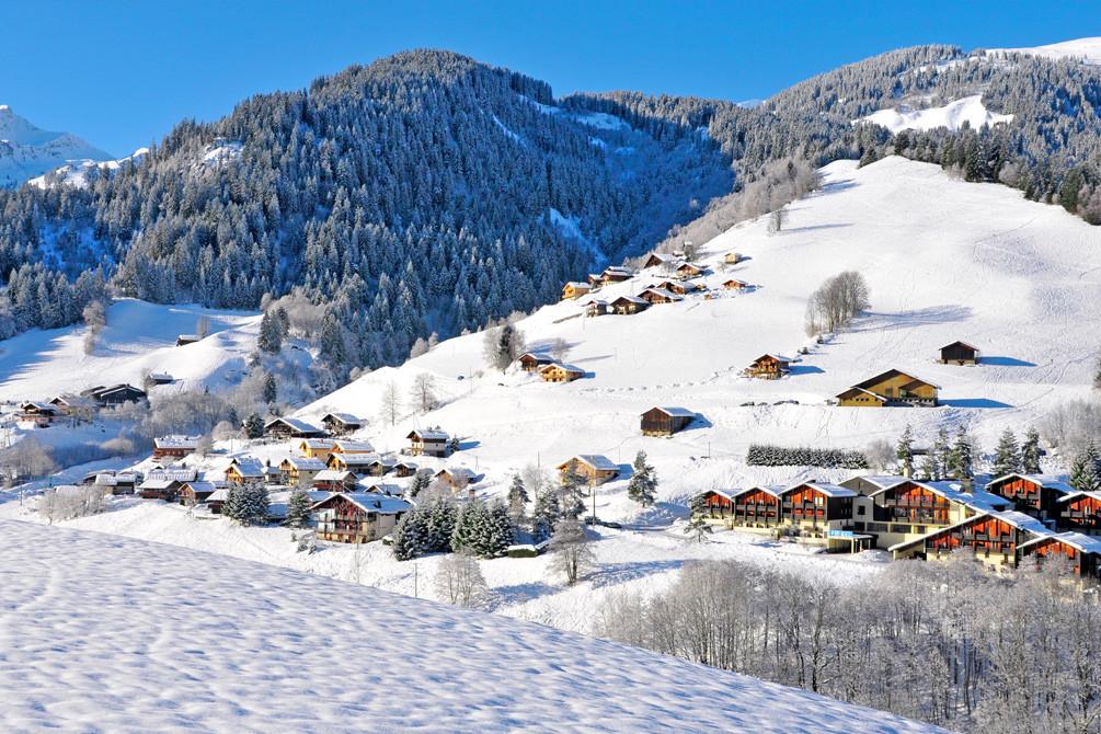 village savoie neige areches