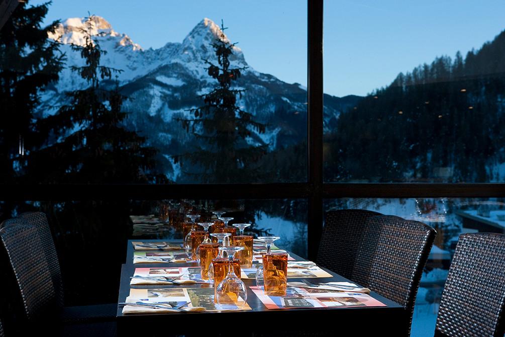 vacances hotel restaurant praloup montagne
