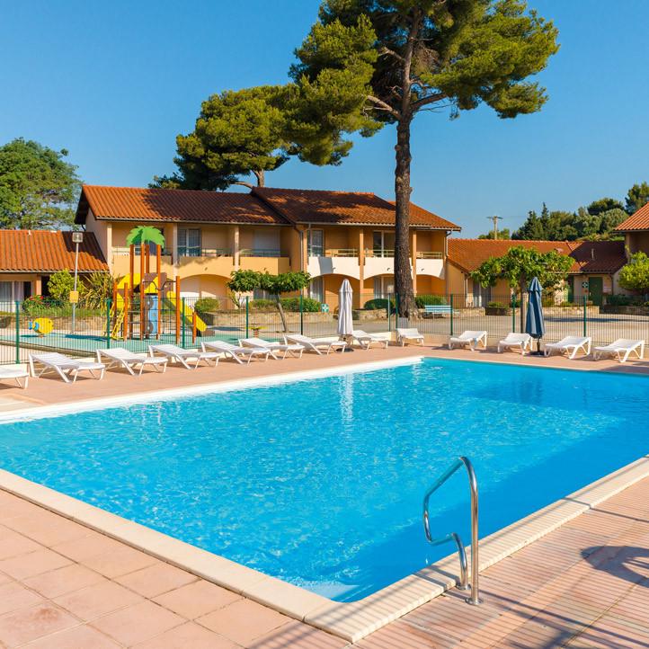 village vacances piscine la londe les maures 2