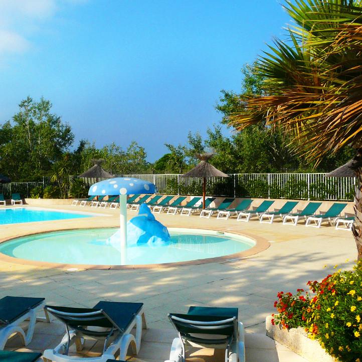 village vacances piscine le grau du roi
